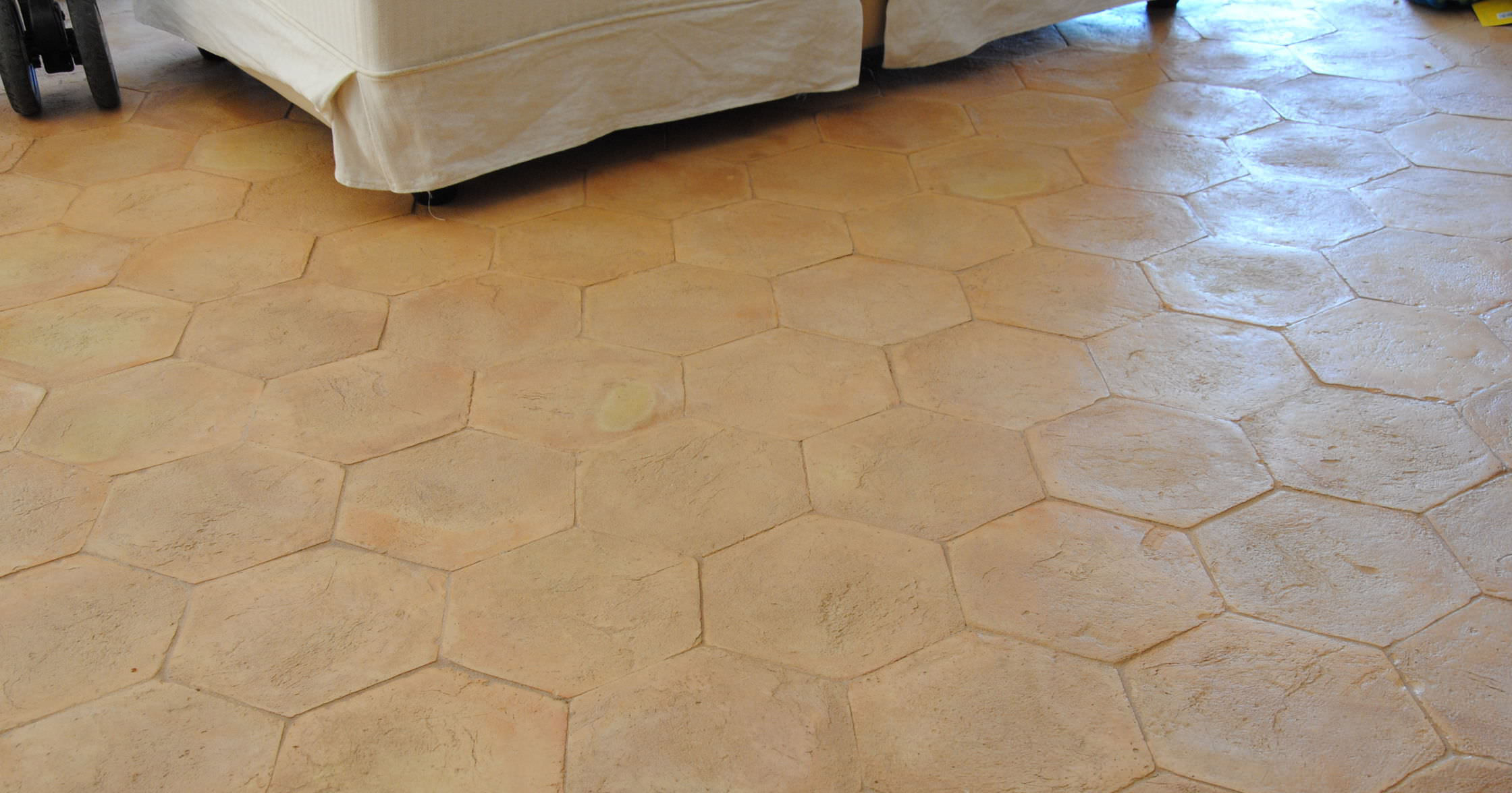 Floor tile outdoor terracotta smooth for Exterior terracotta floor tiles